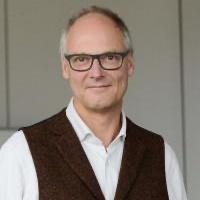Prof. Dr. Arne Menzeschke